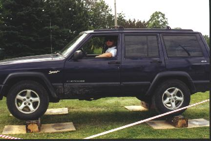 links to nice big pictures of a muddy jeep. Cars Review. Best American Auto & Cars Review